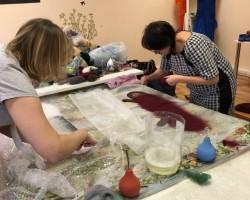 Фотоотчет о — мастер класс валяние варежек из шерсти с элементами «Шерстяной акварели» Сасина Татьяна